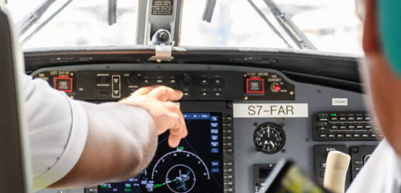 different types of careers available for pilots